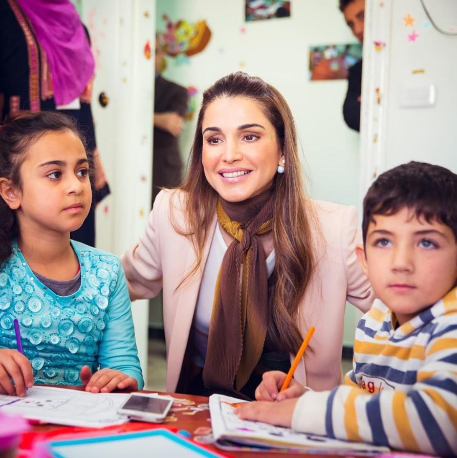 Kraljica Ranija obilazi sirijske izbeglice (preuzeto sa Instagram profila kraljice Ranije)